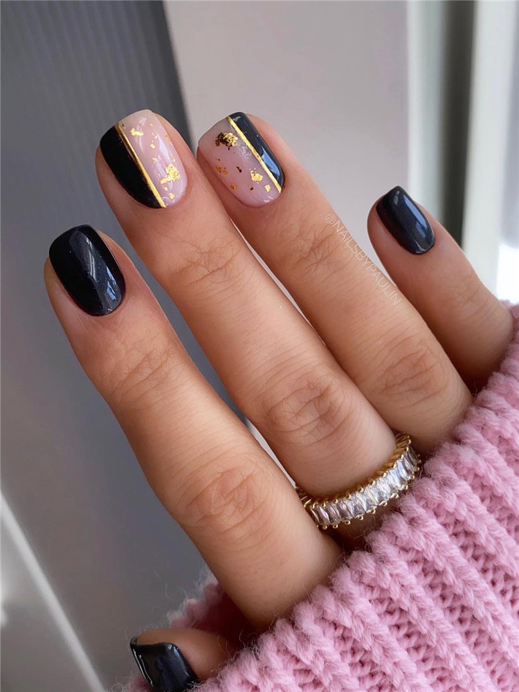 Simple Fall Black and Gold Nails
