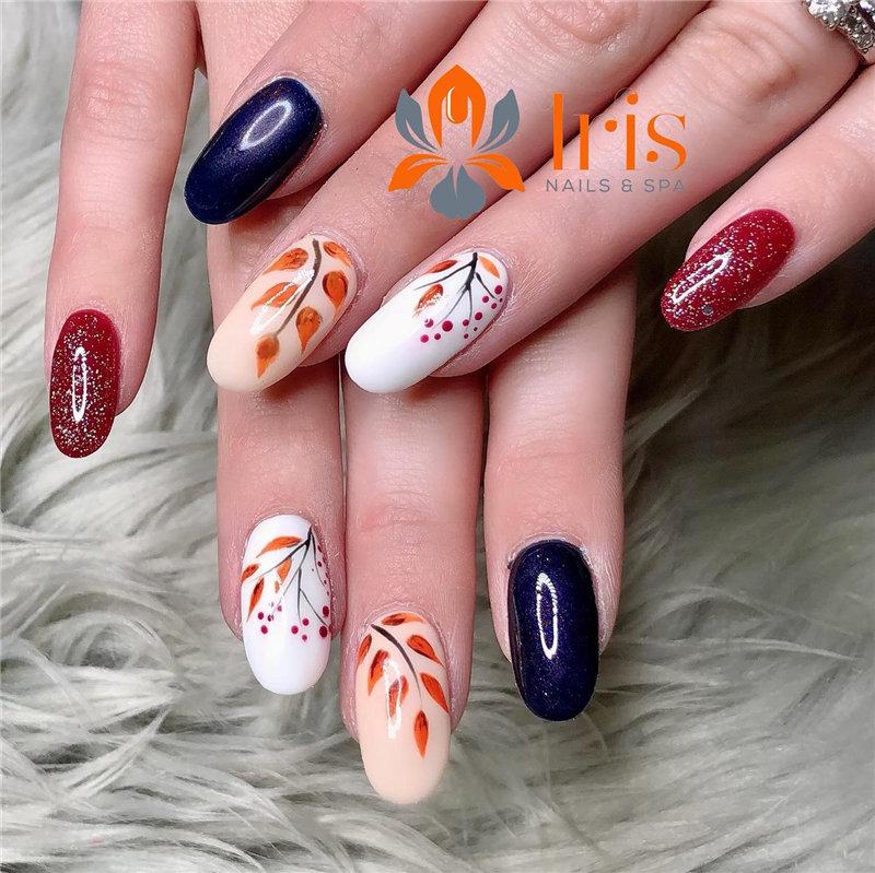 Trendy Fall Nail Design Idea