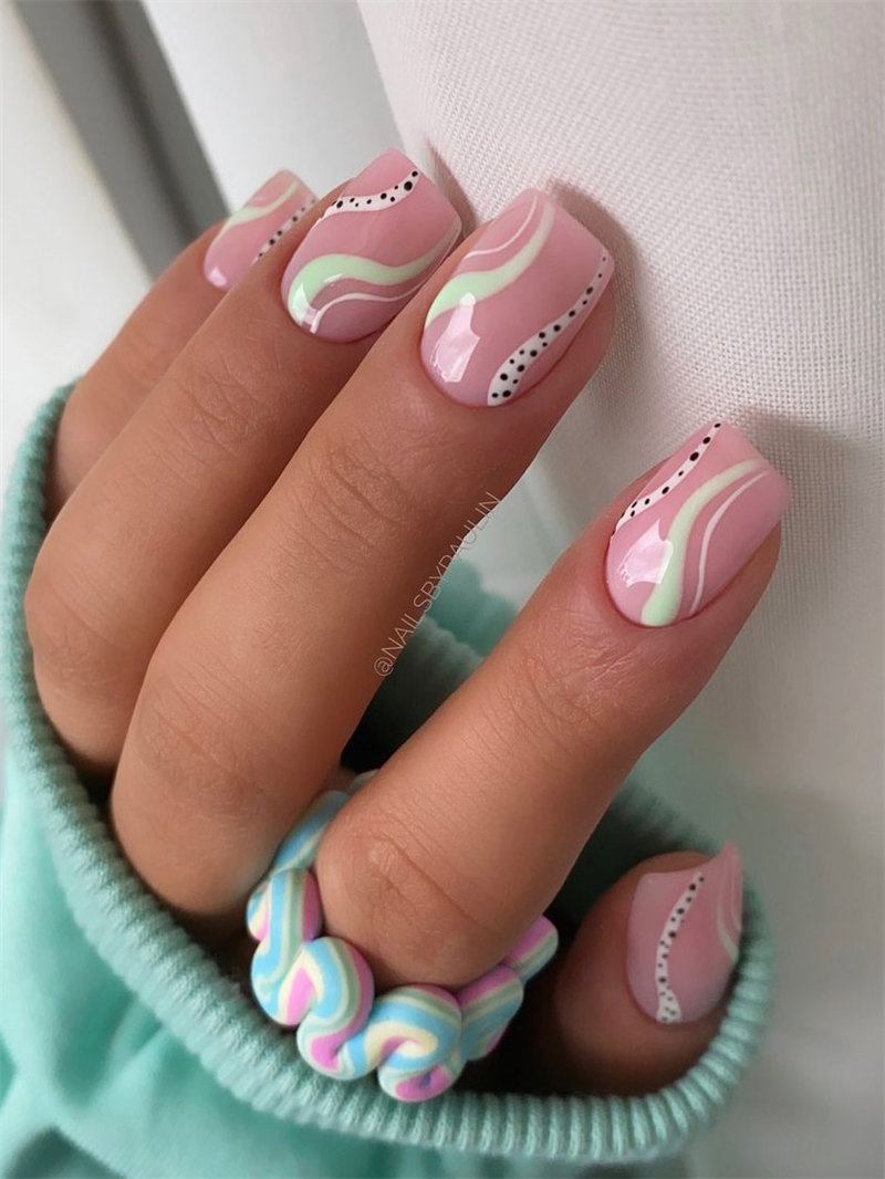 Simple Swirl Nails Idea for Summer