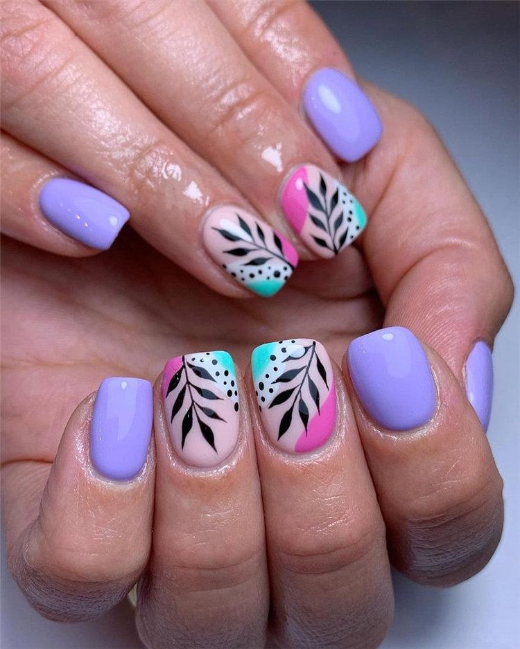 Pretty Light Lavender Nails Design