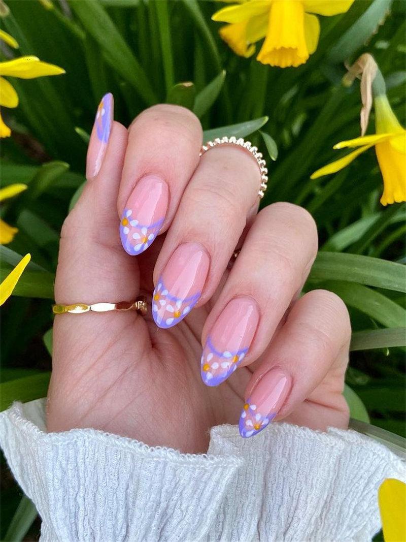 Cute Flower French Nail Idea