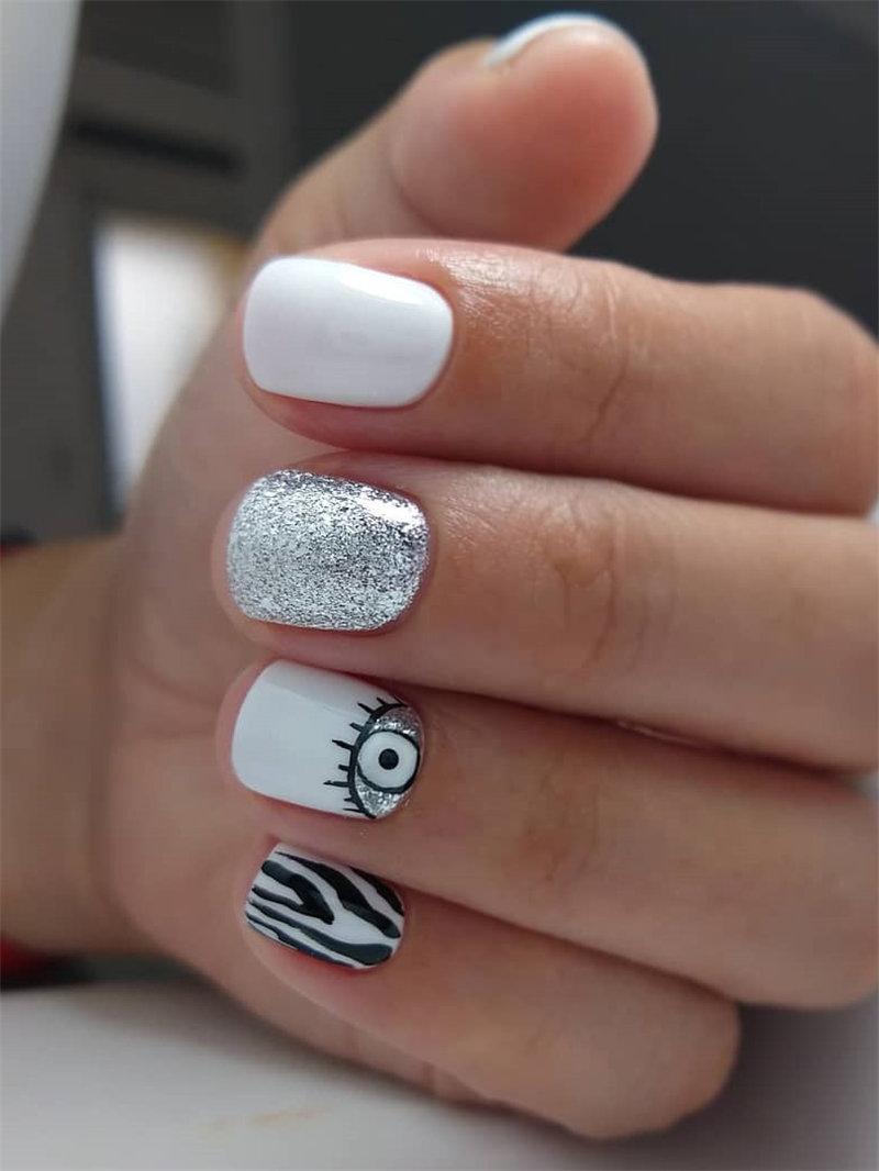 White and Sliver Nail Art Idea
