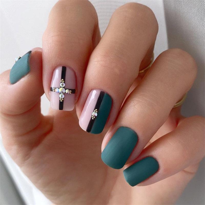 Matte Dark Green Nail Design