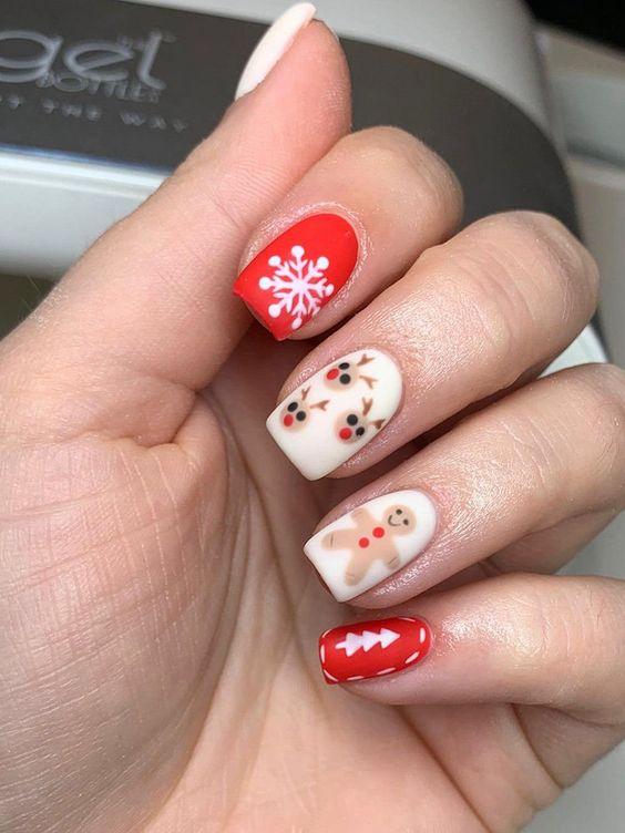 Cute Christmas Nails Design Idea